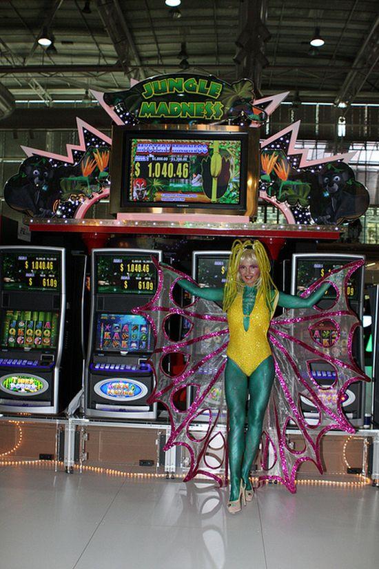 Jungle Madness Slot Machine